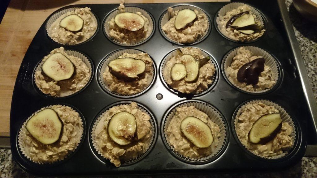 honig_fruehstueck_muffins_verteilt