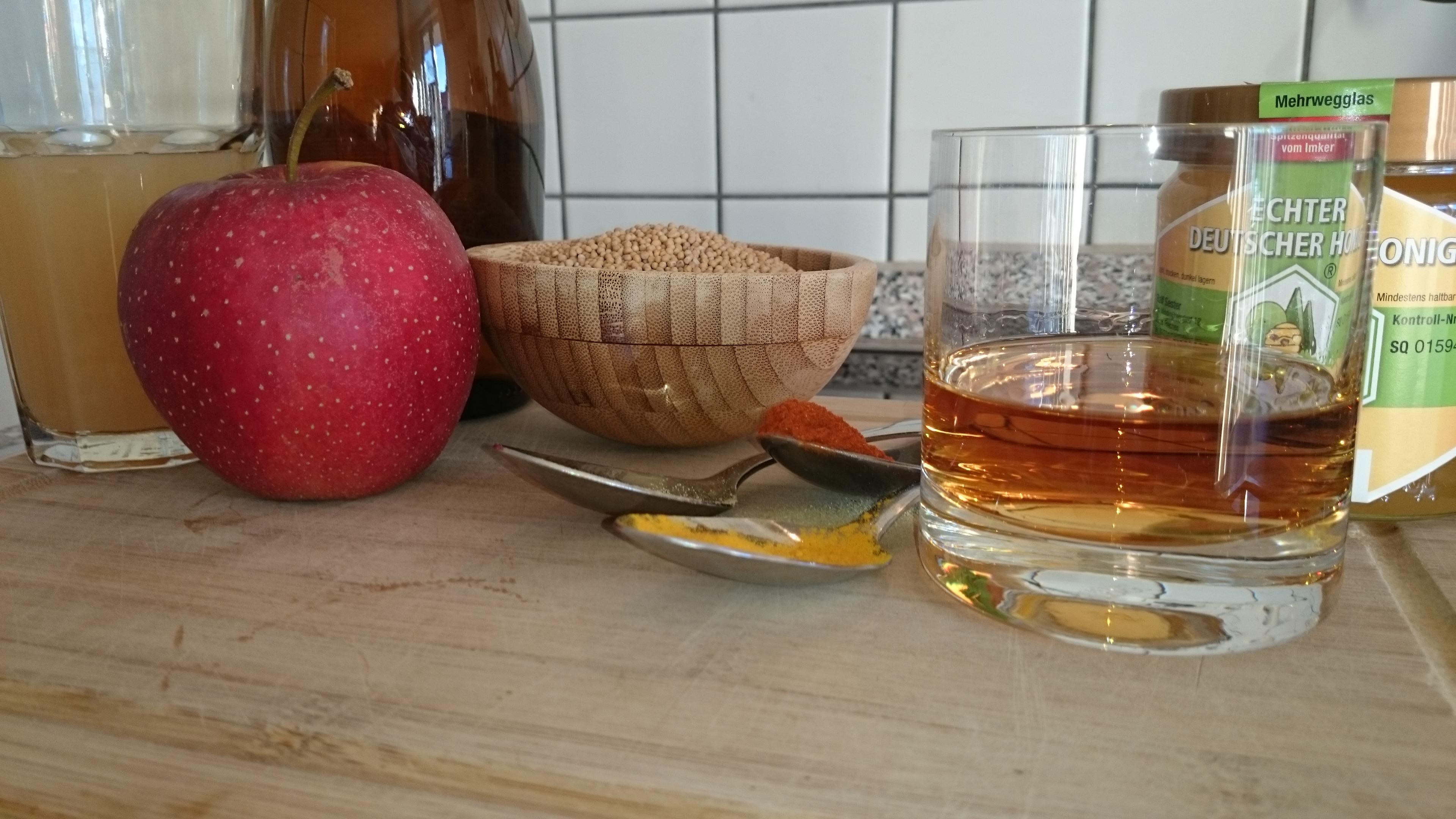 Zutaten für den Honig-Whiskey-Senf